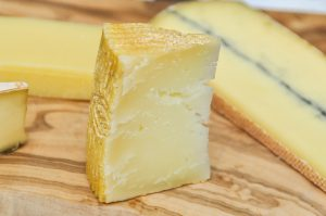 cheese board ideas which cheeses to buy how to castel viel