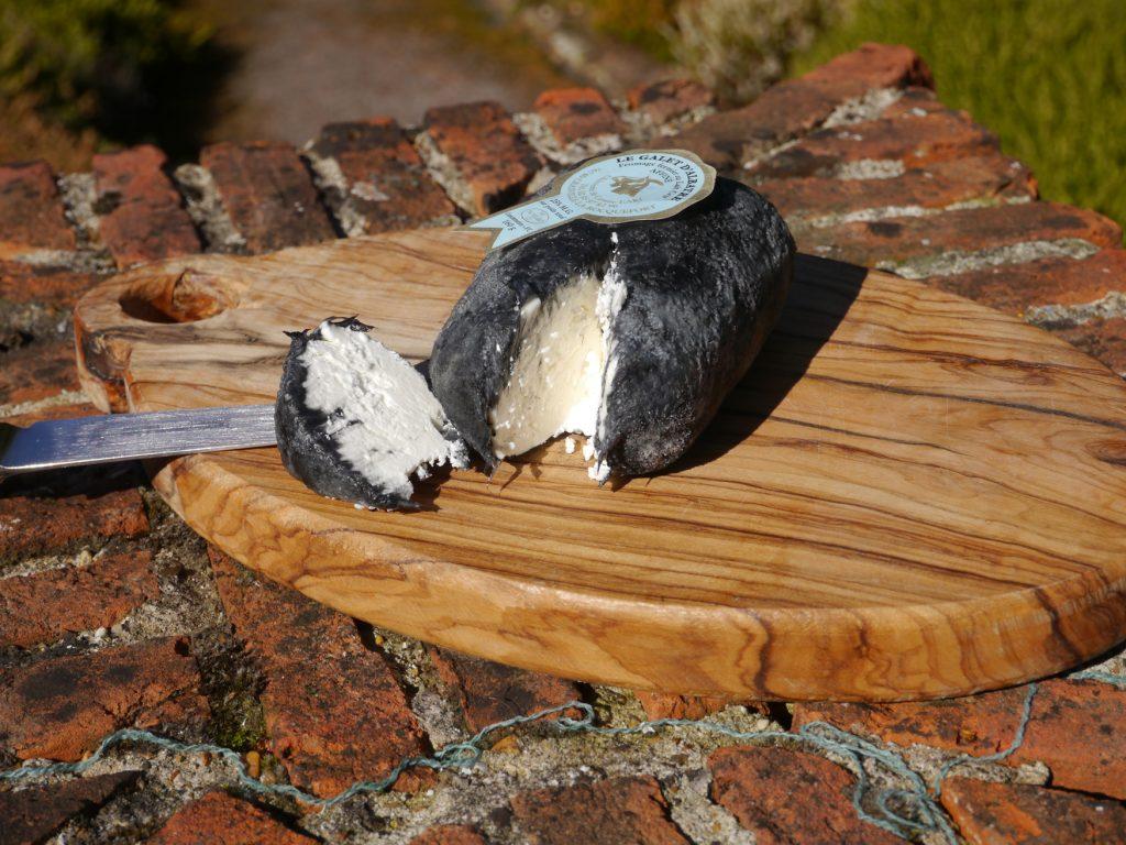 Galet D'Albatre – Goats Cheese